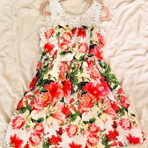 Girls Floral Dress Size 6 - Never Worn